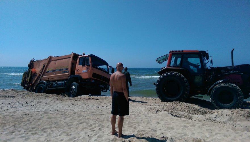 Sunkvežimis Palangos paplūdimyje