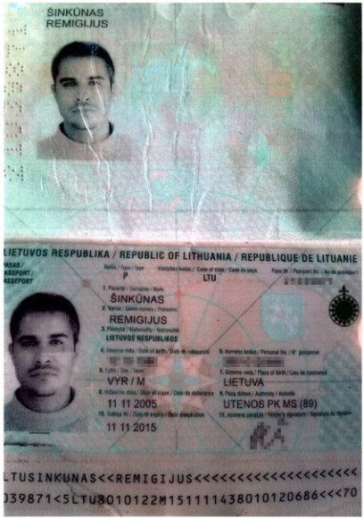 Rusijos propagandistų paskelbto suklastoto paso nuotrauka.