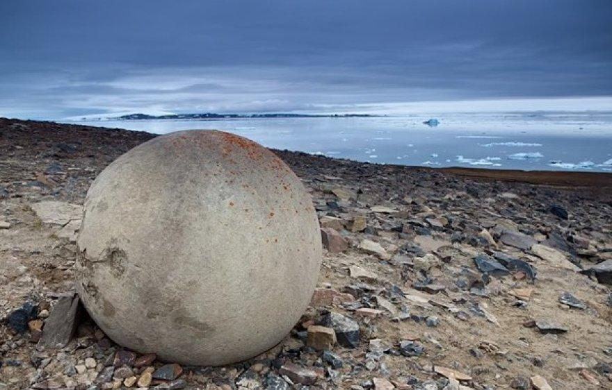 Čampo salos akmenys