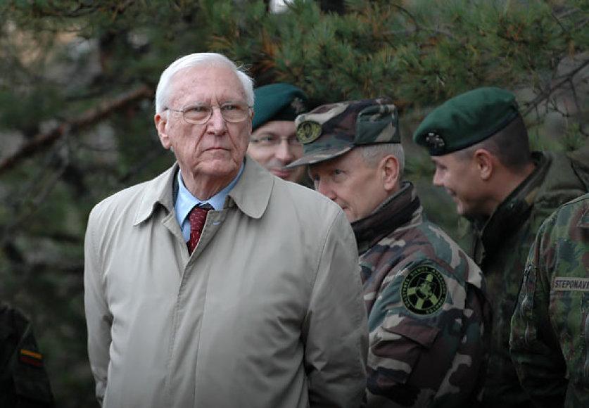 Pratybas stebėjomir buvęs Lietuvos kariuomenės vadas, generolas majoras Jonas Kronkaitis
