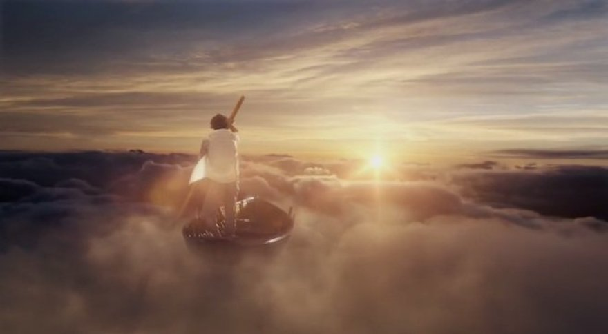 """Kadras iš """"Pink Floyd"""" vaizdo klipo """"Louder Than Words"""""""