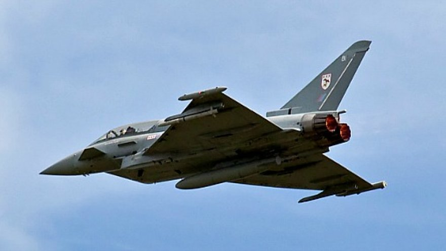 Британия направит дополнительный истребитель для патрулирования неба Балтии
