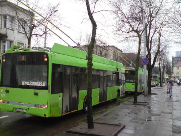 Dėl avarijos Kęstučio gatvėje susidarė kamštis, kuriame įstrigo ir keletas autobusų bei troleibusų