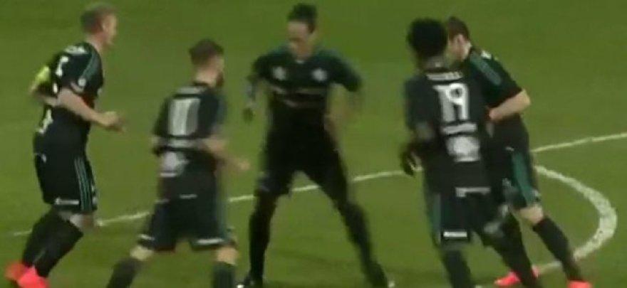Futbolininkų šokis prieš kampinio kėlimą