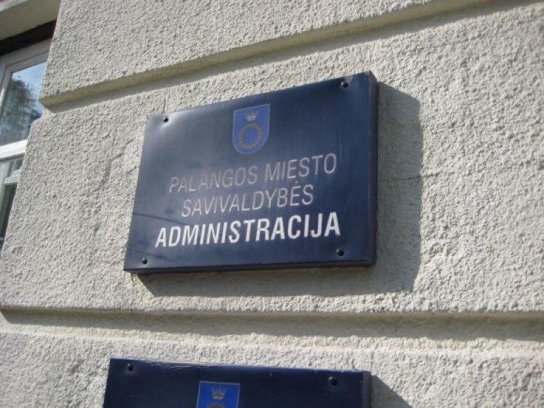 Palangos savivaldybė neturi jokių pradelstų įsiskolinimų. Skolų neturi ir Klaipėdos rajono savivaldybė.