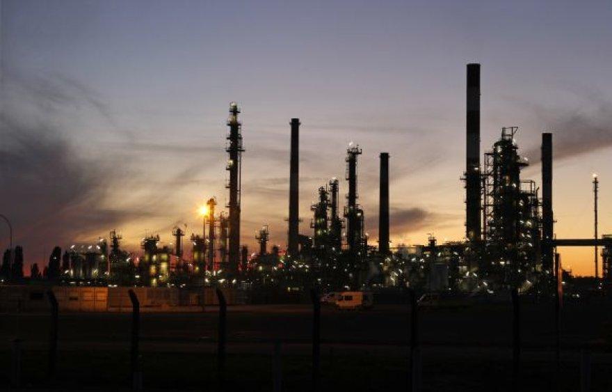 Naftos kainos vėl pasiekė aukštumas