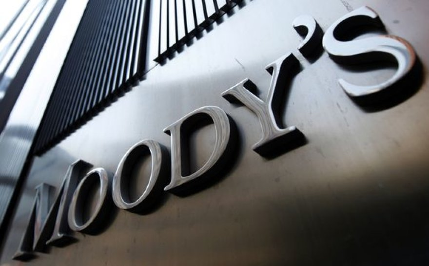 """""""Moody's"""""""