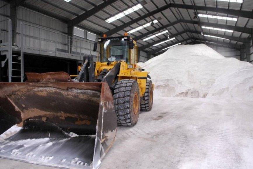 Vilnius jau turi 4500 tonų druskos – apie pusę žiemai reikalingos normos.