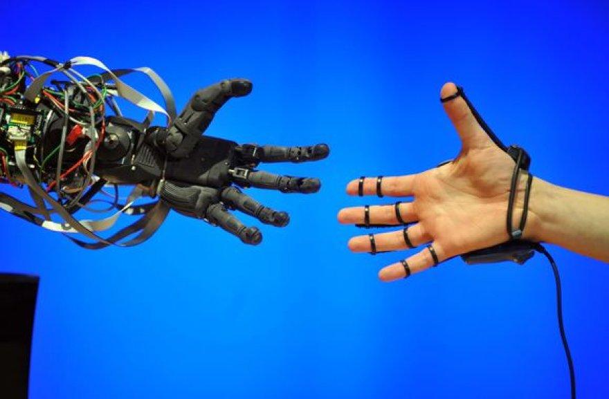 Roboto ranka panaši į žmogaus.