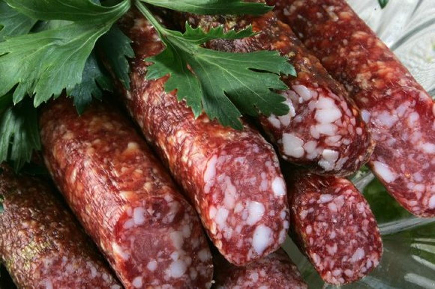Lietuvos turgus užpildė lenkiški mėsos produktai, kurių metinė apyvarta sudarė daugiau kaip 300 mln. litų, tačiau nuo šios sumos valstybės biudžetas nepapilnėjo nei vienu litu.
