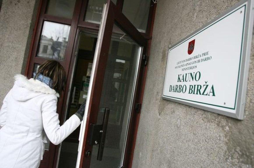 Kauno darbo biržos duomenimis, balandžio 1 dieną darbo biržoje buvo įregistruota 21,3 tūkst. ieškančiųjų darbo