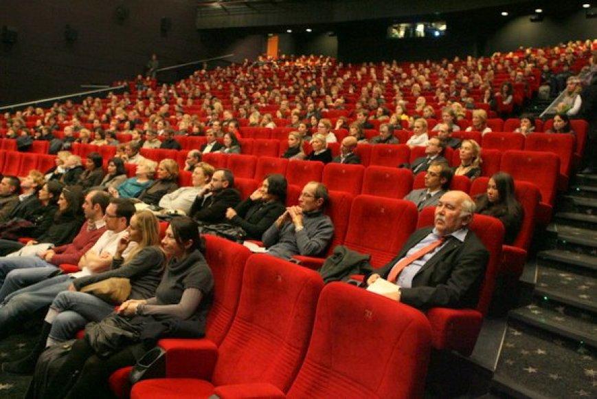Europos šalių kino susirinko žiūrėti pilna salė gerbėjų.