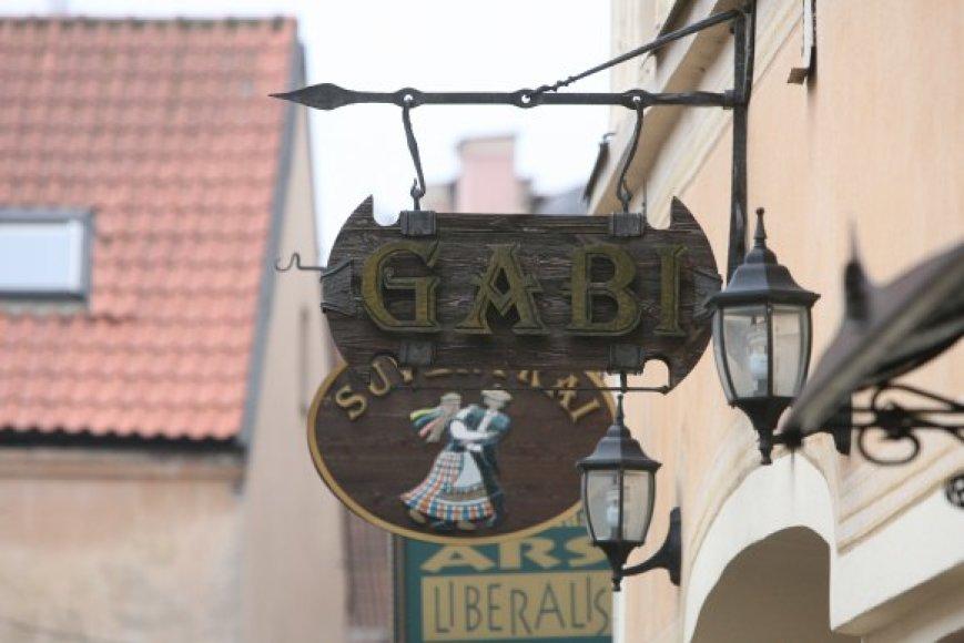 Rasti lietuvišką kavinės, baro, restorano pavadinimą Vilniuje darosi vis sunkiau – lietuviams priimtinesni anglų ir kitų kalbų žodžiai.