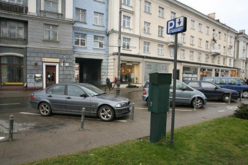 Statyti naujų požeminių automobilių stovėjimo aikštelių Vilniuje neskubama.