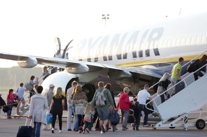 """""""Ryanair"""" lėktuvai iš Kauno į Graikijos kurortines salas skraido pilni poilsiautojų."""