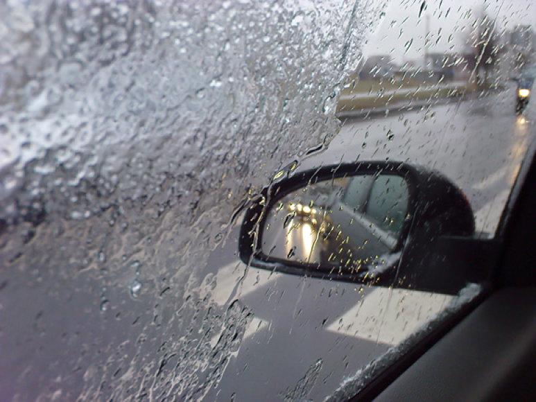 Apšalęs automobilio stiklas
