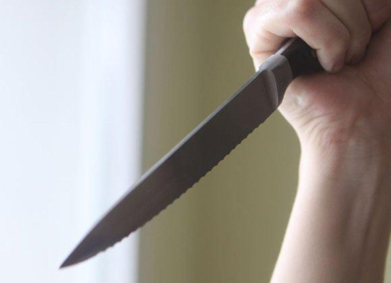 Moteris Kauno rajone sužalota peiliu.