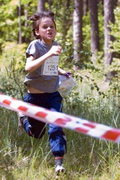 Orientacininkai varžosi skirtingose amžiaus kategorijose, todėl varžybose gali dalyvauti ir vaikai, ir senjorai.