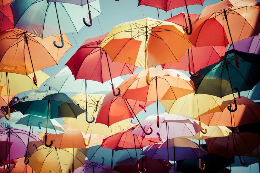 Spalvoti skėčiai
