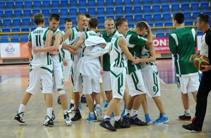 Lietuvos penkiolikmečiai pergale pradėjo olimpiniame festivalio krepšinio turnyrą