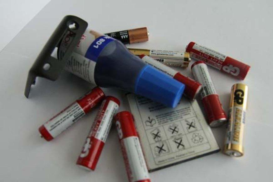 Elementai priskiriami prie pavojingų atliekų