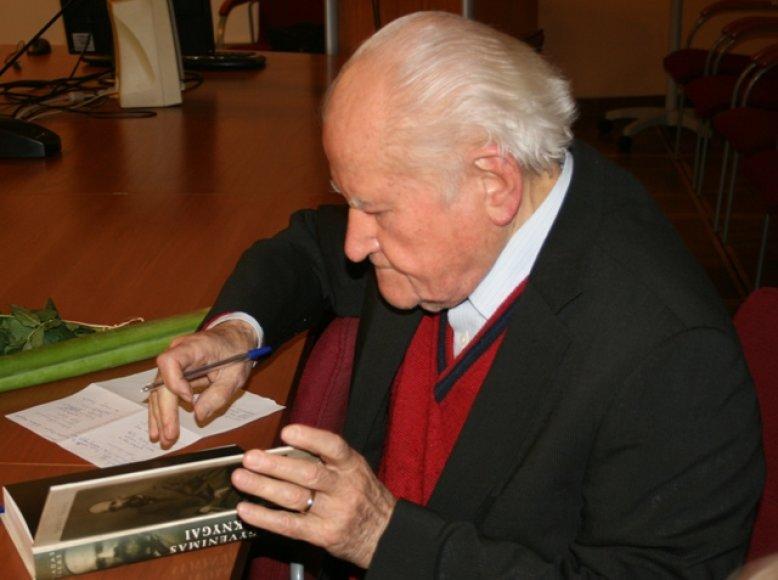 Profesorius Vladas Žukas