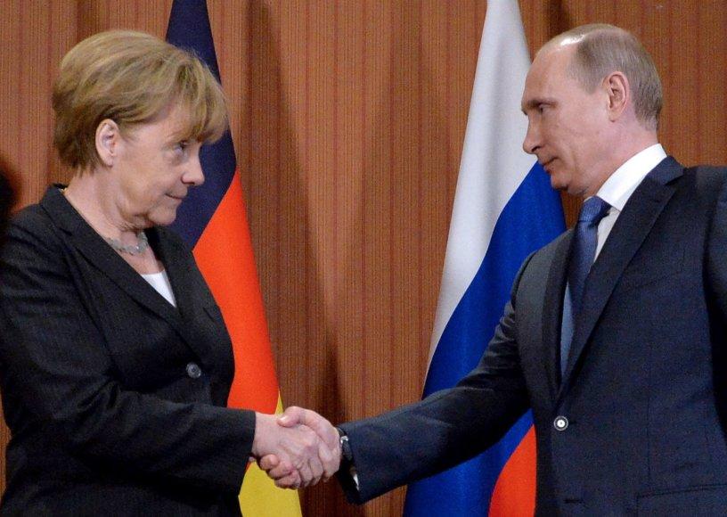 Vokietijos kanclere Angela Merkel ir Rusijos prezidentas Vladimiras Putinas