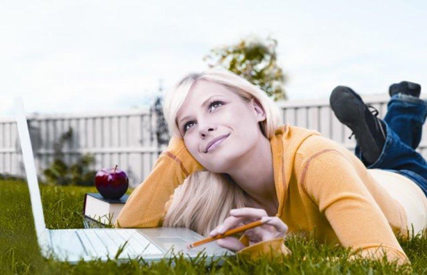 Interneto jums reikia namuose, biure, o gal ir įmonės padaliniuose? Naudositės ryšiu asmeniškai ar dalinsitės su šeimos nariais, su kolegomis? Naršysite tik kompiuteryje ar ir išmaniajame telefone? Telecentras gali pasiūlyti įvairiausius klientų poreikius atitinkančias paslaugas ir gali pasiūlyti in