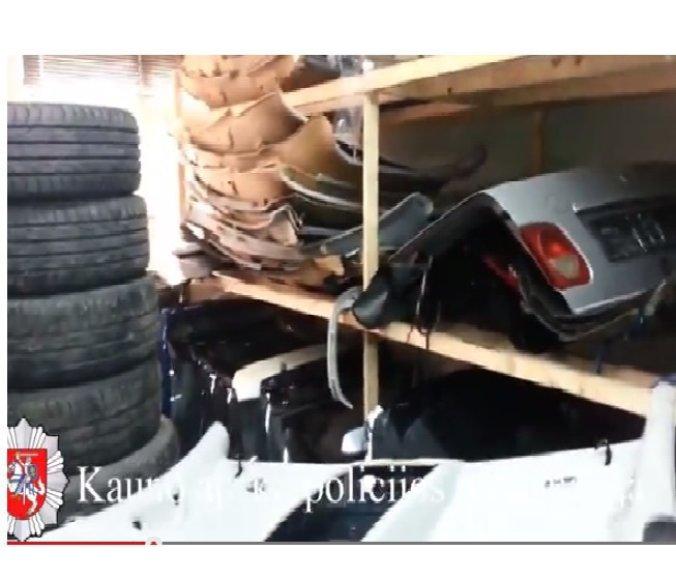 Automobilių detalių parduotuvė prekiavo ir vogtų mašinų dalimis