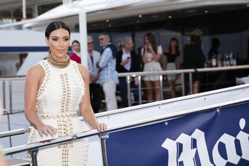 Kim Kardashian Kanuose