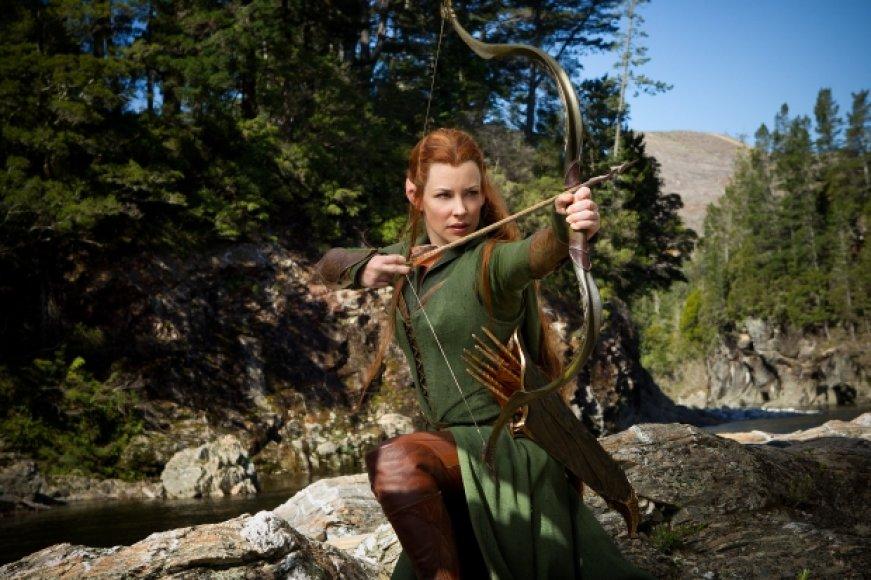 """Karingąja elfe Tauriele filme """"Hobitas: Smogo dykynė"""" tapusi Evangeline Lilly įgyvendino vaikystės svajonę"""