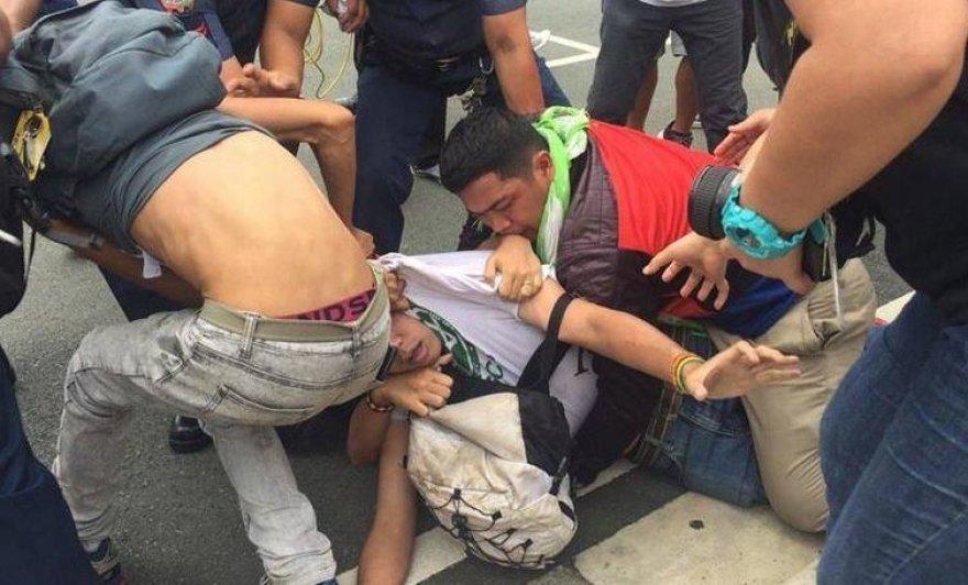 Prie JAV ambasados Maniloje nesiliauja protestai