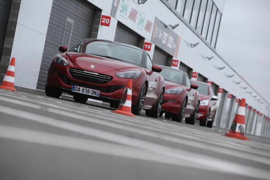 """Peugeot"" automobilių bandymai ""Audruring"" trasoje"