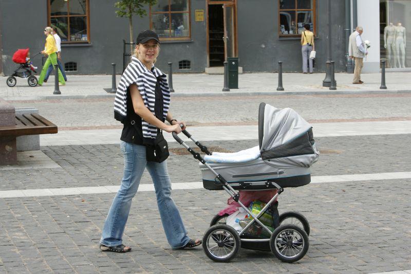 Foto naujienai: Dainidos Valsiūnaitės rami motinystė