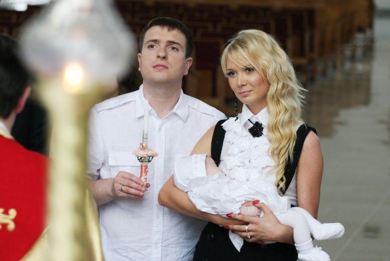 Foto naujienai: Natalija ir Deivydas Zvonkai tapo krikštatėviais
