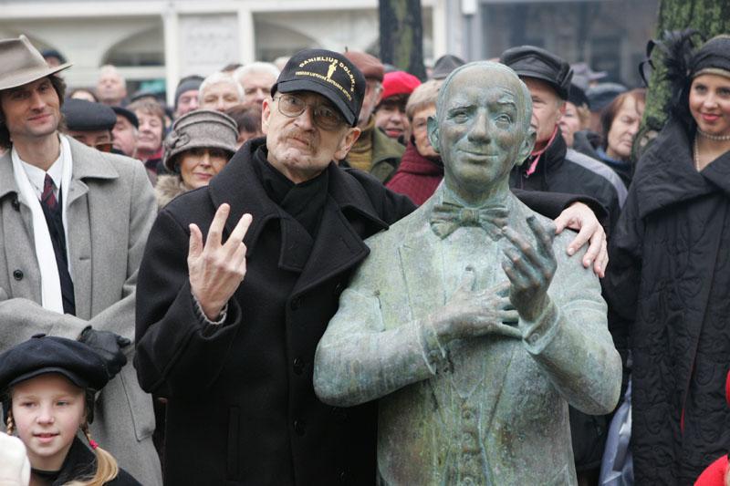 Foto naujienai: Vytautas Kernagis paskolino savo ranką