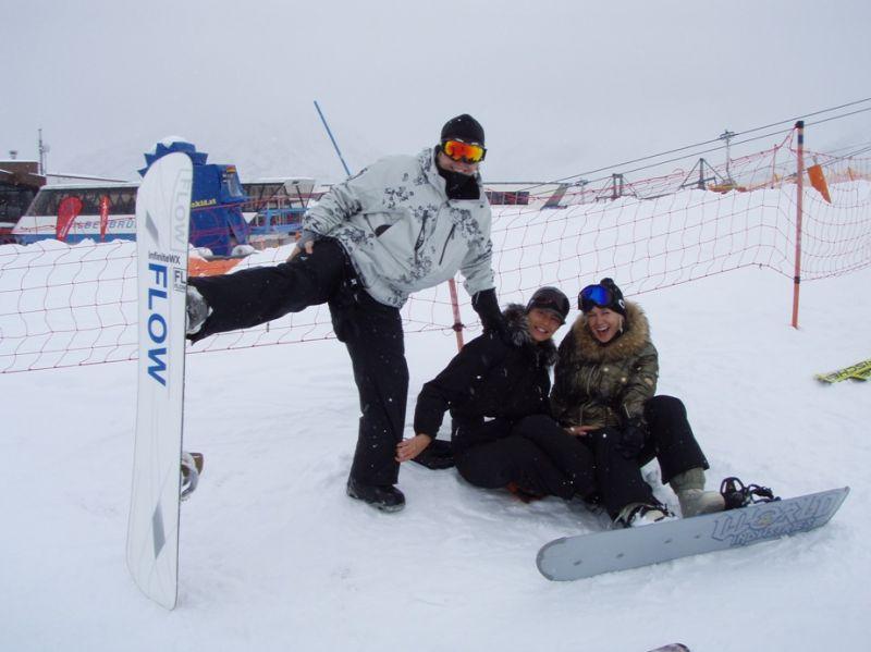 Foto naujienai: Oksana Pikul ir Vaida Židonytė kalnus šturmavo  snieglentėmis