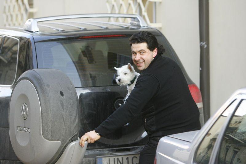 Foto naujienai: Katinas su šuniuku
