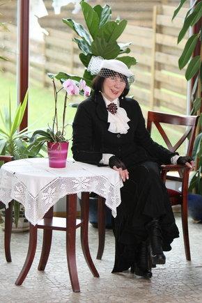zmones24.lt/Foto naujienai: Zita Tallat-Kelpšaitė: skrybėlaičių karalienė