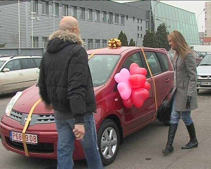 Foto naujienai: Jurgitos Jurkutės laukia dovana – automobilis