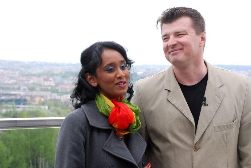 """Foto naujienai: Berneen ir D. Mertinas pasitraukia iš """"Žvaigždžių duetų"""""""