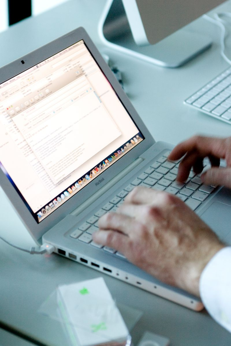 DECENTRALIZED, UAB Įmonės darbo skelbimai