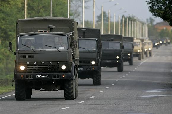 Rusijos kariuomenė nesustoja.