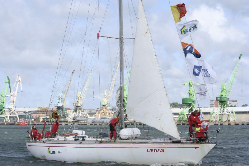 """Jachta """"Lietuva"""" iš regatos netrukus grįš į Klaipėdą."""