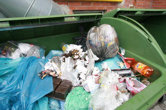 Vietinė rinkliava už atliekas įnešė nemažai sumaišties, todėl sistemą dar bandoma tobulinti.