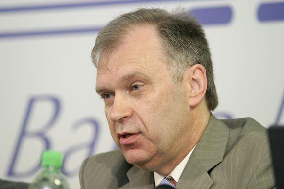 Banko analitikas R.Rudzkis teigia, jog banko darbuotojų atleidimas yra normalus reiškinys.
