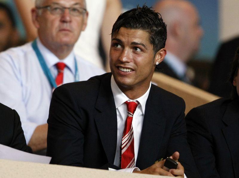 Futbolo žvaigždė C.Ronaldo kolekcionuoja naujausius automobilius.