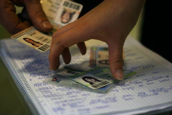 Nors spalis tuoj įpusės, studento pažymėjimai pratęsti dar ne visiems.