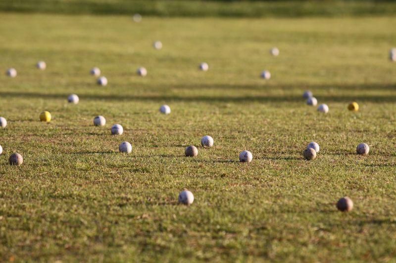 Golfo kamuoliukai gaminami iš 2-jų mišinių gumos