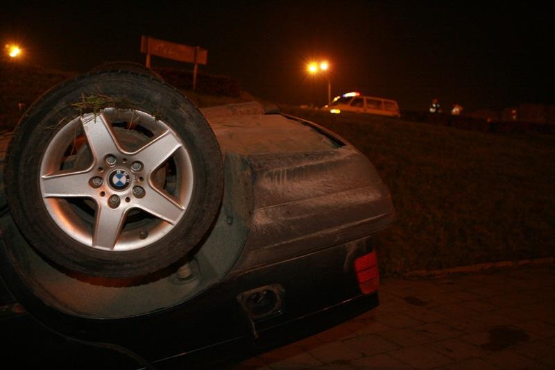 Apvirtęs BMW